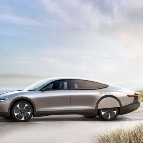 Lightyear One : la voiture électrique qui se recharge toute seule sur 800 km