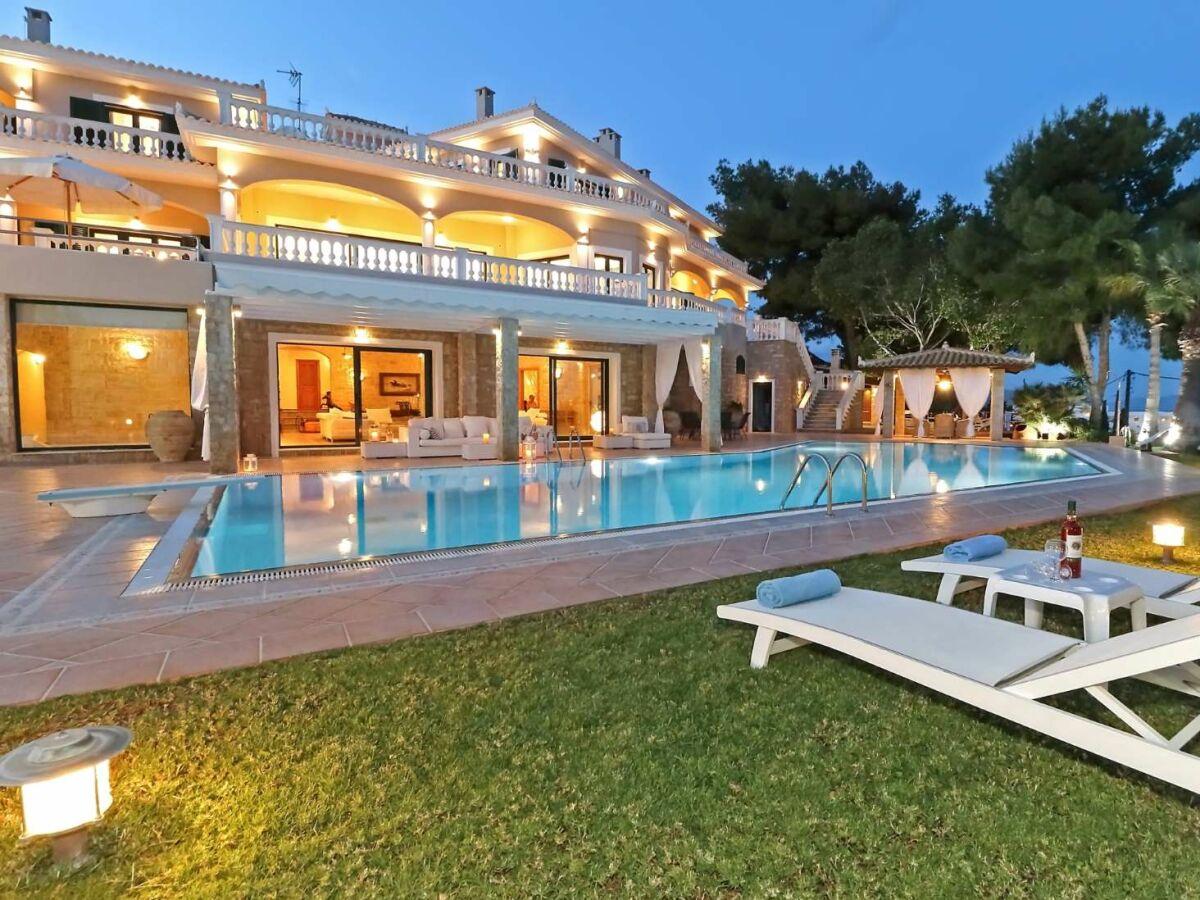 Villa porto heli luxe piscine grece tennis plage