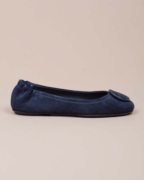 Tory Burch – Mini Travel – Ballerines en cuir au naturel avec logo 10 Bleu marine