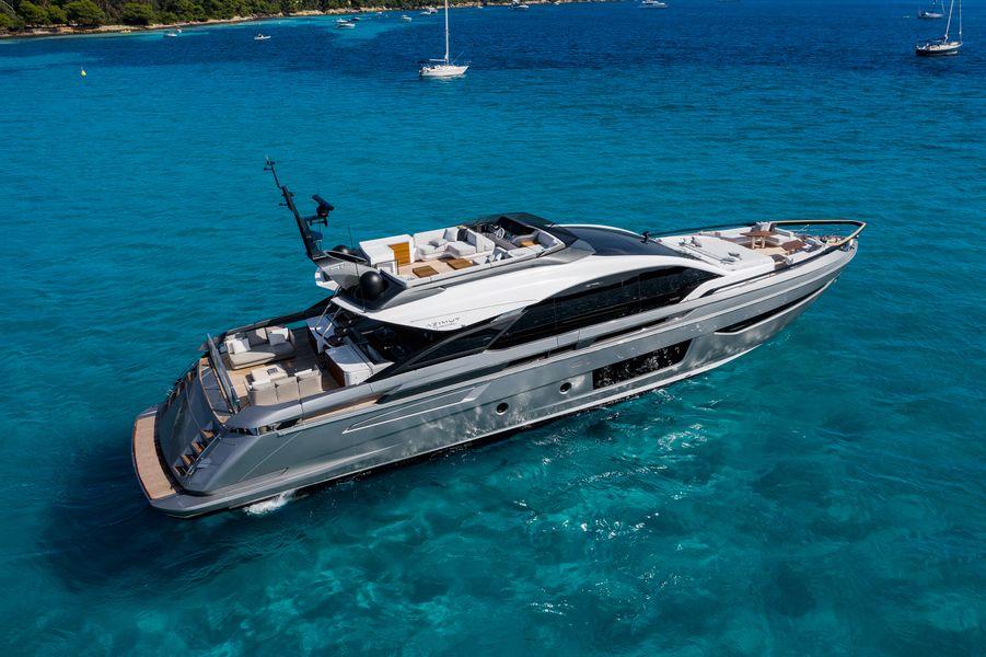 Azimut S10 - super yacht
