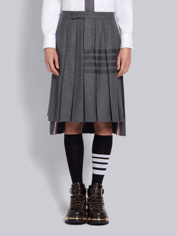 Thom Browne jupe mi-longue plissée à détail rayé