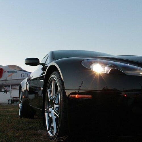 Les voitures de James Bond: les Aston Martin et la version Bond Defender